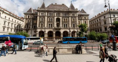 Luxusszálloda nyílik az Orbán által kiszemelt épületben