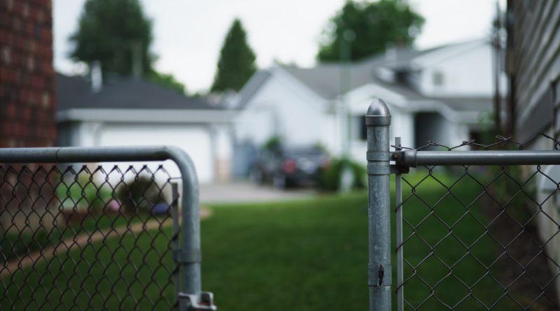 Miért kellene telekadót fizetnem a szomszéd helyett?