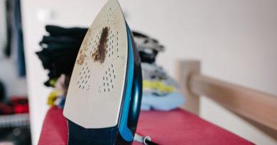 Ronda égésnyom a vasaló talpán? Zseniális házi módszereket mutatunk az eltüntetésére