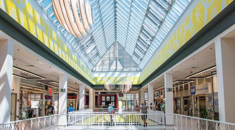 f6b181417a1a Több mint egymilliárd forintból újult meg a Csepel Plaza