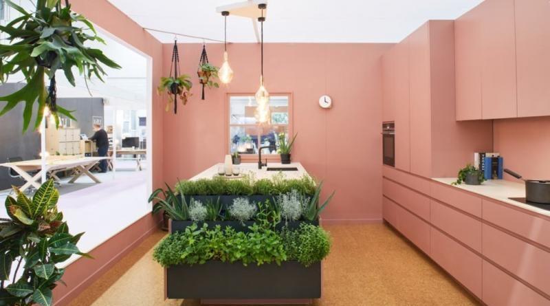 Ilyen egy tökéletes wellness konyha beépített fűszer- és gyógynövényfallal!
