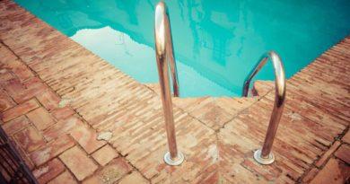 Családi házad, nyaralód van? Ennyiből jön ki a kertben egy saját medence