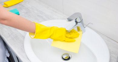 Ne öntsd ki a kihűlt teát! Természetes házi szerek, melyektől csillogni fog a fürdőszobád