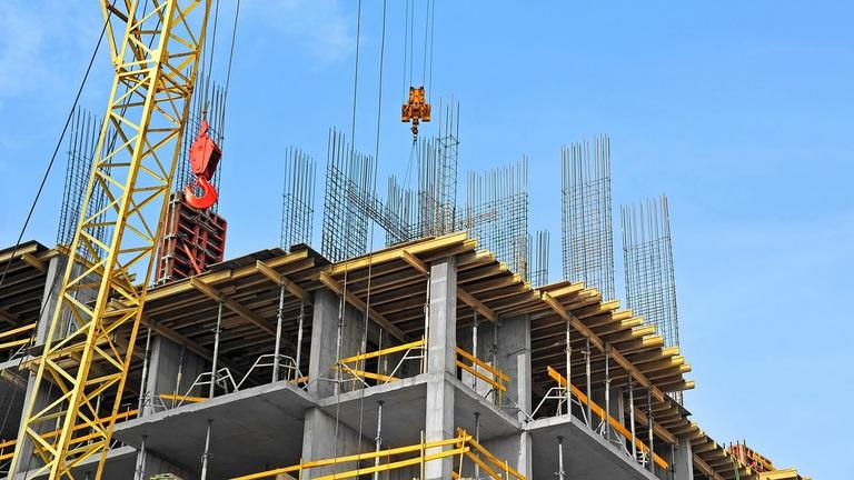 Megvan a gazdaságvédelmi nagy-bejelentés, élénkülhetnek az ingatlanberuházások, az építőipar is