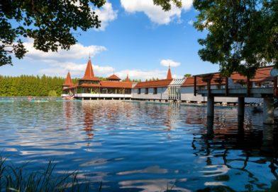 Gyógyhatású tó a Balaton mellett. Hévíz: az ország csodája