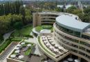Családi összefogás Hernádi-módra – Polgármesteri szék és milliárdos hotelbiznisz Esztergomban