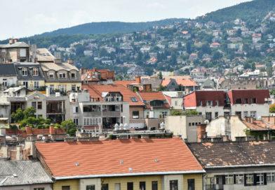 Az ingatlanpiacon kevesebb a befektető, de magasak az árak