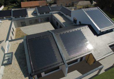 Magyarország első napelemes tetőcserép üzeme
